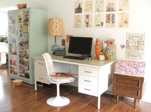 casual-studio-office-corner-582x432