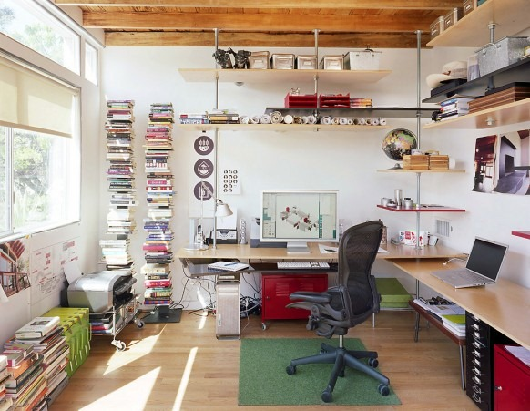 office-of-floating-shelves-582x451